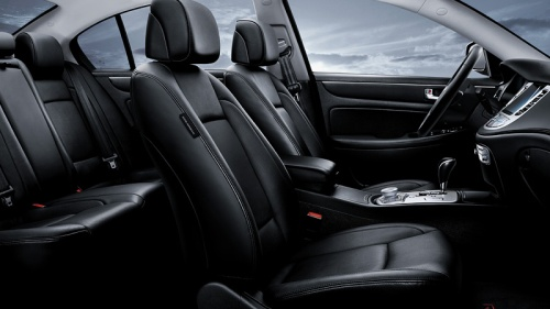 2013 Hyundai Genesis Sedan Interior